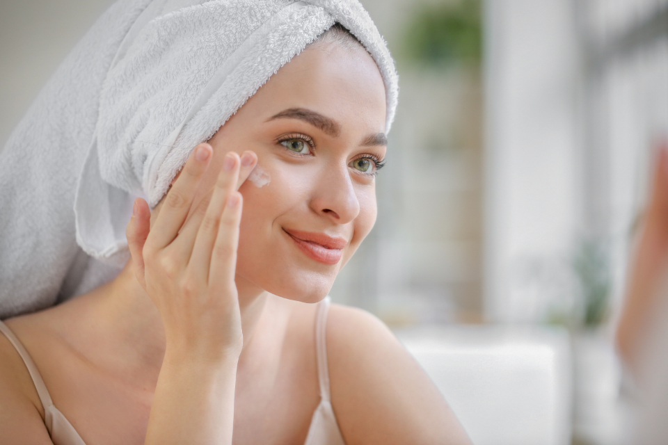 What Are Peptides and What Do They Do to the Skin?